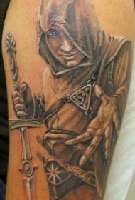 肩部逼真的刺客与剑纹身图案