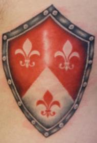 背部彩色逼真的盾牌符号纹身图案