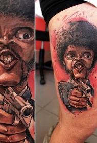 腿部彩色搞笑的电影英雄与手枪纹身