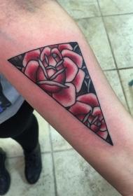 手臂彩色简单的三角形与红玫瑰纹身
