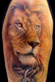 肩部彩色逼真狮子头纹身图片