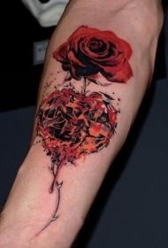 手臂现实主义风格的红色玫瑰纹身图案