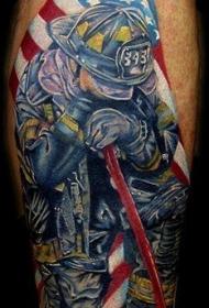 美国国旗与消防员纹身图案