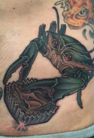 男性腹部彩色螃蟹纹身图案