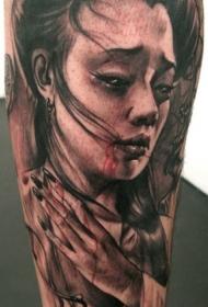 腿部现实主义风格的灰色血腥艺伎纹身