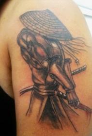 肩部日本棕色武士切腹纹身图案