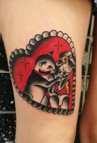 大腿old school彩色心形与猫夫妇纹身图案