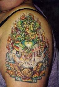 肩部彩色火焰甘尼萨莲花纹身图案