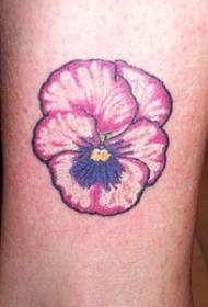 可爱的粉红花纹身图案