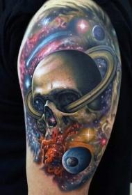 大臂彩绘逼真的太空星球与骷髅纹身图案