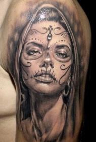 大臂黑灰死亡女孩额头十字架纹身图案