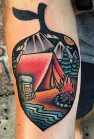 手臂彩色叶子形状的夜间露营风景纹身