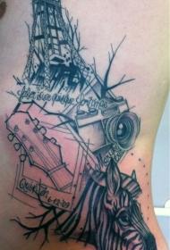 腰侧吉他和有趣的斑马头设计纹身图片