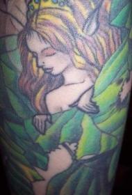 可爱的仙女公主在绿叶中纹身图案