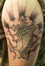 十字架与祈祷之手云朵纹身图案