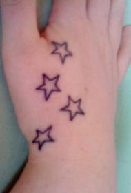 手部简约五角星纹身图案