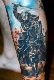 小腿彩色的中世纪骑士和马纹身图案