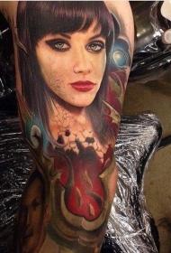 现实主义风格的彩色女人脸纹身图案
