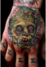 手背幽灵般的绿色僵尸纹身图案