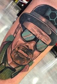 小腿彩色电影英雄肖像纹身图案