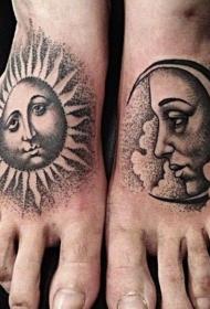 脚背人性化复古的太阳和月亮纹身