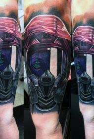 手臂现代传统风格的彩色女性面具纹身