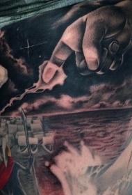 腿部彩绘原始海上纹身图片