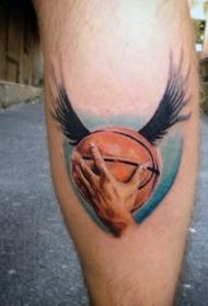 腿部彩色逼真的篮球与翅膀纹身图片