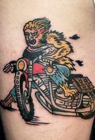 肩部彩色插画风格的狼人纹身图片