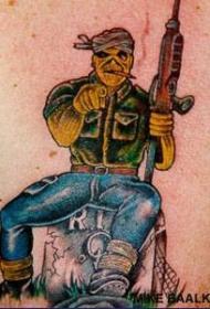 男性背部彩色杀手纹身图案