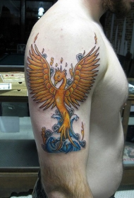 男性肩部彩色凤凰复活纹身图案