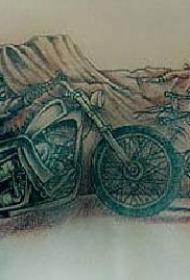 腹部彩色骑士和骑士比赛的纹身