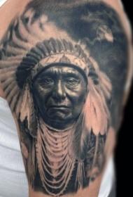 肩部真正的照片彩色印度肖像纹身