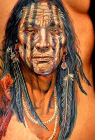 腰侧彩色逼真的武士肖像纹身图案