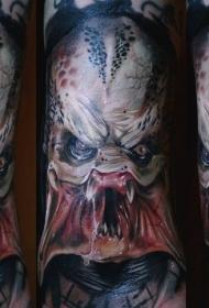 腿部超级逼真的恐怖怪物纹身图片