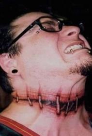 脖子毛骨悚然的恐怖电影像血缝纹身
