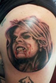 腿部恐怖电影像彩色吸血鬼纹身