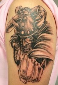 肩部黑棕色海盗攻击的纹身图案