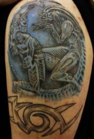 肩部彩色格斗铁怪物机器人纹身图片