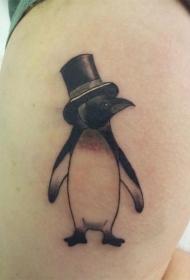 腿部黑色漂亮的小企鹅纹身图片