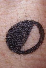 手腕黑色小月亮简约纹身图案