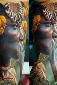 手臂现实主义风格的彩色古怪人纹身