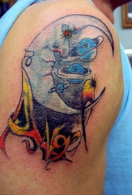 肩部彩色月亮与行星纹身图案