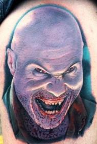 腿部令人毛骨悚然的恐怖男子纹身