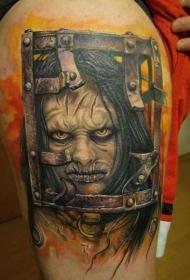 腿部毛骨悚然的恐怖电影女性怪物纹身