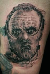 腿部棕色恐怖的电影人物纹身图案