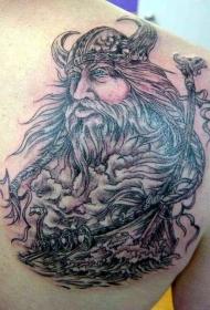 肩部纳维亚神和维京人纹身图案
