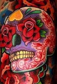 手臂彩色糖头骨与红玫瑰纹身图案