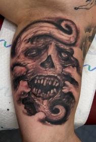 肩部棕色丑陋的怪物骷髅纹身图案