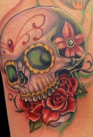 肩部彩色墨西哥传统人类头骨纹身